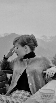 Audrey Hepburn Audrey Hepburn Photos, Audrey Hepburn Style, Audrey Hepburn Eyes, Classic Hollywood, Old Hollywood, Viejo Hollywood, Draw On Photos, Classy Casual, My Idol