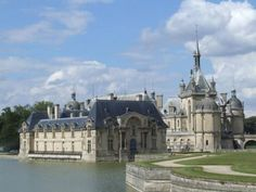 Chateau Chantilly, near Paris, France Day Trip From Paris, One Day Trip, Day Trips, Beautiful Paris, Beautiful Castles, Val D'oise, Castles In Ireland, Château Fort, Fairytale Castle