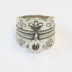 kalevala koru - Google Search Finnish Women, Silver Jewelry, Silver Rings, Jewerly, Statue, Finland, Bracelets, Scandinavian, Google Search