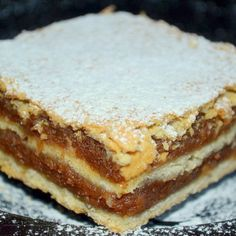 Prajitura cu Umplutura de Mere si Aluat Fraged Food Cakes, Cake Recipes, Breakfast, Pastries, Bakken, Cakes, Morning Coffee, Easy Cake Recipes, Kuchen