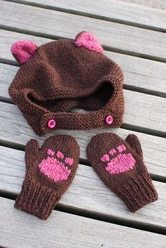 Free bear and panda hat and mittens pattern by Linda Cyr- Adorbs! Baby Hat Knitting Patterns Free, Baby Hats Knitting, Mittens Pattern, Arm Knitting, Knitting For Kids, Crochet For Kids, Knitting Projects, Crochet Projects, Crochet Patterns
