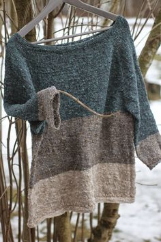Lanka mutkalla: Ihan täydellinen. Gorgeous knit top. The post is in Finnish but…