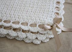 Neutral baby blanket free pattern from rosie little things