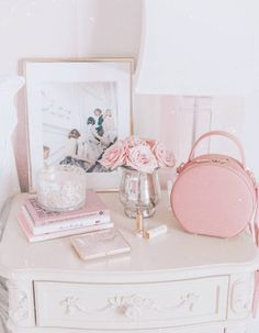 A Girly & Glam Bedroom Makeover Vintage Bedroom Decor, Glam Bedroom, Vintage Room, Vintage Pink, Pink Home Decor, Vintage Style, Beautiful Christmas Decorations, Pink Decorations, Makeup Rooms