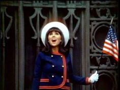 "Marlo Thomas as ""That Girl"". Those clothes! Those eyes! That opening montage! My first fashion idol in the Fashion Idol, Fashion Tv, 1960s Fashion, Vintage Fashion, Marlo Thomas, Danny Thomas, That Girl Tv Show, Girls Season, Old Tv Shows"