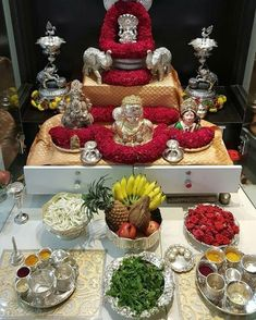 universo Radhe Krishna: Diwali Decorations, Festival Decorations, Flower Decorations, Wedding Decorations, Indian Home Interior, Indian Home Decor, Radhe Krishna, Silver Pooja Items, Ganapati Decoration