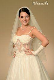 Liza használt esküvői ruha