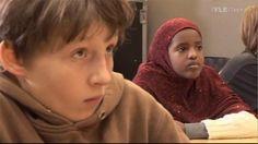 Lapsen oikeuksien päivä 20.11. | Oppiminen | yle.fi Beanie, School, Tieto, Face, Historia, The Face, Beanies, Faces, Facial
