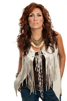 Jo Dee Messina Breaking (Fashion) Rules - Country Outfitter Style Jody is a real kick. You can not meet a harder working singer. She was taking care of her 2 yr. old, and keep her band working! Country Female Singers, Country Music Artists, Country Music Stars, Country Women, Country Girls, Trucks And Girls, Sexy Older Women, Sexy Hot Girls, Cut And Style