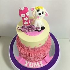 2-tiers cakes with 3D fondant sheep & number 1