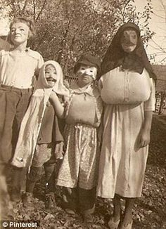 Vintage Halloween Photo. I think Halloween costumes of the past ...