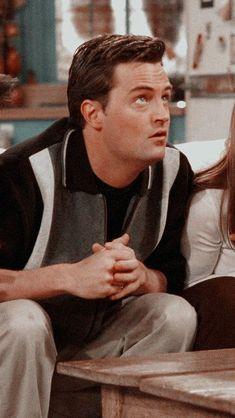 Serie Friends, Friends Cast, Friends Episodes, Friends Moments, Friends Tv Show, Best Friends, Chandler Bing, Matthew Perry, Matching Friend