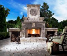 An outdoor fireplace design on your deck, patio or backyard living room instantly makes a perfect place for entertaining, creating a dramatic focal point. Build Outdoor Fireplace, Outside Fireplace, Outdoor Fireplace Designs, Backyard Fireplace, River Rock Fireplaces, Rustic Fireplaces, Outdoor Fireplaces, Fireplace Kits, Brick Fireplace