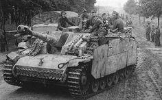 Sturmhaubitze 42 carrying soldiers