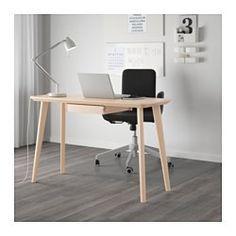 IKEA - LISABO, Työpöytä, , Selkeän syykuvion ansiosta jokainen pöytä on yksilöllinen.Saarniviiluinen pinta ja massiivikoivuiset…