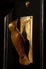 ♅ Detailed Doors to Drool Over ♅ art photographs of door knockers, hardware & portals - door knocker bird Door Knobs And Knockers, Knobs And Handles, Door Handles, Cool Doors, Unique Doors, Door Accessories, Door Furniture, Windows And Doors, Front Doors