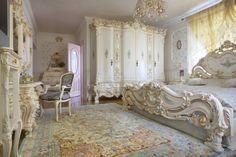 amazing homes interior Small Bedroom Furniture, Solid Wood Furniture, Furniture Design, Garden Furniture, Wholesale Furniture, Online Furniture, Baroque Bedroom, Luxurious Bedrooms, Dream Bedroom