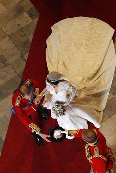 A l'occasion du cinquième anniversaire de mariagede Kate Middleton et du prince William, le Royal Blog vous propose de faire un petit voyage dans le...