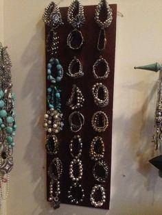 Old shelf, and screws, made into bracelet holder !
