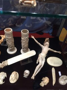 Dizzly and worthy top quality Eurpean carved ivory items - second half ' 800 - signed - call Danilo 0039 335 6815268
