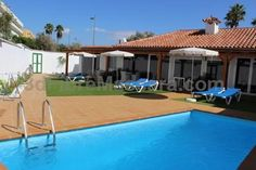 Dunas Deluxe Bungalow by Cool Deluxe Playa del Ingles Offering a sun terrace and views of the garden, Dunas Deluxe Bungalow by Cool Deluxe is situated in Playa del Ingles in the Gran Canaria Region, 200 metres from Maspalomas Beach. Yumbo Centrum is 1.2 km away.