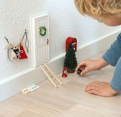 FaiRY DooR at CHRiSTMaS TiMe ____nissedør-nisse-december-barnetro-fantasi-uftitah-diy-c Christmas Projects, Christmas And New Year, Christmas Holidays, Christmas Decorations, Hygge Christmas, Christmas Fairy, Gnome Door, Elf Door, Hobby Lobby Christmas