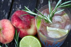 selbst gemachter pfirsich eistee (2 von 3) Peach Ice Tea, Non Alcoholic Drinks, Iced Tea, Food Porn, Homemade, Fruit, Vegetables, Recipes, Lemonade