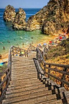 Waaauw! Geniet jij hier straks acht dagen op een van de lang uitgestrekte zandstranden van de Algarve? ✨ https://ticketspy.nl/deals/geniet-8-dagen-albufeira-4-vakantie-va/