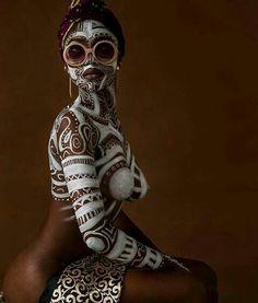 "Body (Part a., ""Computer Blue"" (the ""Body Paint"" Slideshow) Black Women Art, Beautiful Black Women, African American Art, African Art, African Beauty, African Fashion, Foto Art, African Culture, Belle Photo"