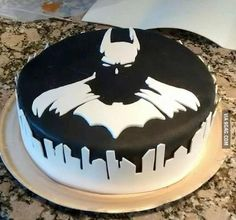 Awesome style Batman Cake by Nayrunia - Cake Wrecks. It is like a negative in the colors...