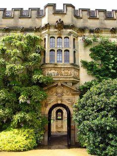 Oxford arch, England.