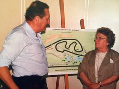 In 1990 the Brazilian GP was to return to São Paulo with the FIA proviso hat the circuit be shortened. Surprisingly mayor Luiza Erundina decided to lend her support to the project. The track is to be vastly modified, the fast outer ring is partly lost. For the second time in less than a generation the Gancias are leading a refurbishment of Interlagos. All SP mayors since then have reconfirmed the F1 GP as it is the largest event in the town's calendar.