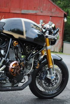 Good! ducati http://geton.goo.to/photo.htm  #geton #auto #car #ducati  目で見て楽しむ!感性が上がる大人の車・バイクまとめ -geton http://geton.goo.to/