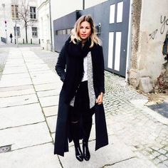 MAXI COAT & BOOTIES by Aline Kaplan