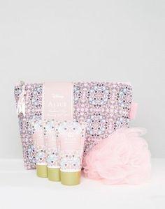 Alice In Wonderland Wash Bag Set