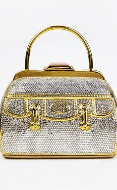 605 best judith leiber images beige tote bags vintage handbags rh pinterest com