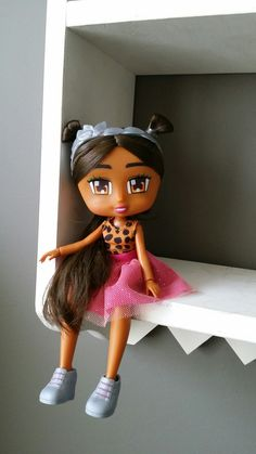 Pin By Thea Fox Simmons On Hairdorables Dolls Pinterest