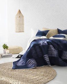 Indigo Line Shibori Bedspread / Quilt Blue Home Decor, Beach House Decor, Coastal Style, Coastal Decor, Mood Indigo, Indigo Blue, Coastal Bedrooms, White Bedrooms, One Bedroom