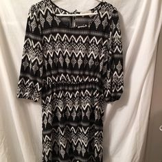 🎊🎉CLEARANCE.........TUNIC/DRESS 🔅 TUNIC OR DRESS........... VERY PRETTY AND NEVER WORN!! (PO) ✔️ Dresses Mini