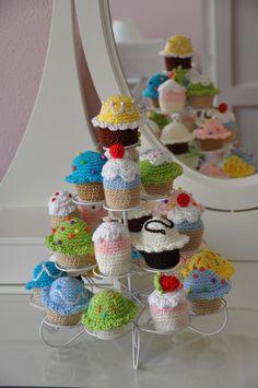 Madame Coquine: Día 38: Cupcakes amigurumi.