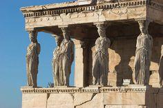 Templo de Erecteion, colunas são estátuas de Cariátides.