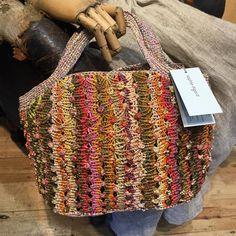 "270 Beğenme, 4 Yorum - Instagram'da International brands (@scarletjonesmelbourne): ""Beautiful #sophiedigard bags #scarletjones #albertpark"""