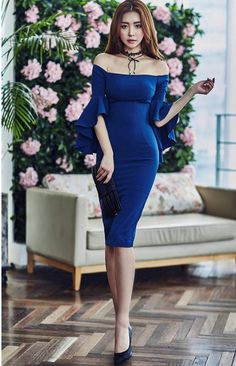 Pinned onto 2018 winter outfits Board in 2018 winter outfits Category Asian Fashion, Look Fashion, Fashion News, Fashion Models, Tight Dresses, Short Dresses, Formal Dresses, Latest Fashion For Women, Womens Fashion