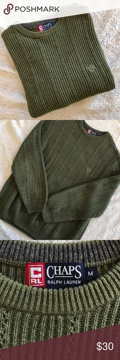 CHAPS Ralph Lauren Men's Sweater Men's size M olive green cable knit sweater in like new condition. Absolutely no flaws. All of my items come from my smoke-free home. Bundle and save!!! Chaps Sweaters
