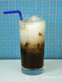 Nutty Root Beer Cocktail - This easy #cocktail tastes like #coconut cream soda!