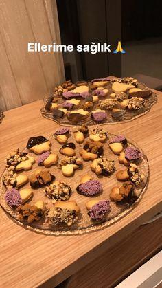 Çikolata soslu kurabiyeler enfes gözükmüyormu tarif için yazabilirsiniz 💕