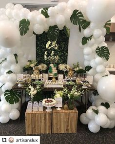 Best Baby Shower Decorations For Boys Safari Dessert Tables Ideas Deco Baby Shower, Baby Shower Balloons, Baby Boy Shower, Baby Shower Decorations For Boys, Baby Shower Centerpieces, Baby Shower Themes, Safari Theme Centerpieces, Bar A Bonbon, Lion King Baby Shower