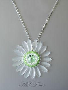 ARTonia´s bead, Swarovski rivoli, beaded necklace, beaded pendant, jazýčky, beaded flower,