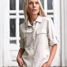 #милитари - это не обязательно цвет хаки, шевроны и погоны👮🏻♀️ он может быть еле уловимым, как у этой рубашки, например😉 . 🔘материал: лен 🔘размер 42-44 🏷2900₽ . 📍Фрунзе 5, левый торец (вход за остановкой ) 📍2 этаж, офис 9 __________________________________ ☑НОВОСИБИРСК: 🗓 Закажите бесплатную доставку по Новосибирску прямо сейчас 📱8-913-985-30-85 🚗 Доставка бесплатная (даже если ничего не подошло) кроме отдалённых районов! 🛍 Любое количество моделей и размеров примеряйте в…