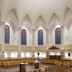 Deze prachtige kerk in Wolphaartsdijk mocht #maashagoort voorzien van #verlichting. Bekijk direct meer foto's van dit project op de website van Maas & Hagoort https://www.maashagoort.nl/nicolauskerk-wolphaartsdijk/?column=column3&utm_source=pinterest&utm_campaign=nicolauskerk